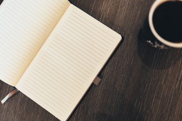 ノートとコーヒー